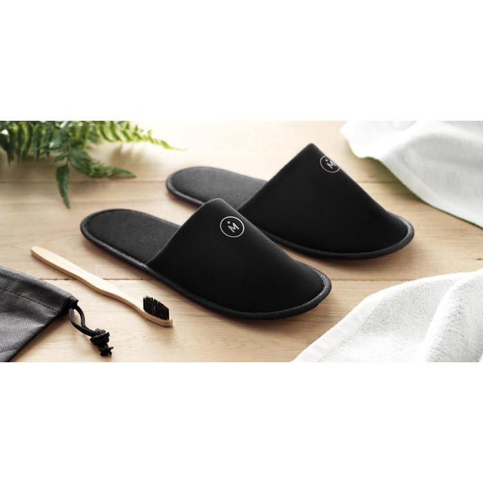 Zapatillas poliéster en bolsa no tejido